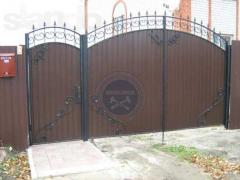 Двері, решітки, гаражі, балкони, альтанки, паркани, ворота, ковані
